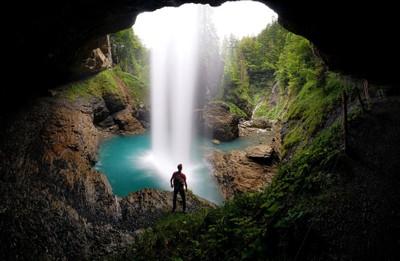 Klaussen Pass Waterfall