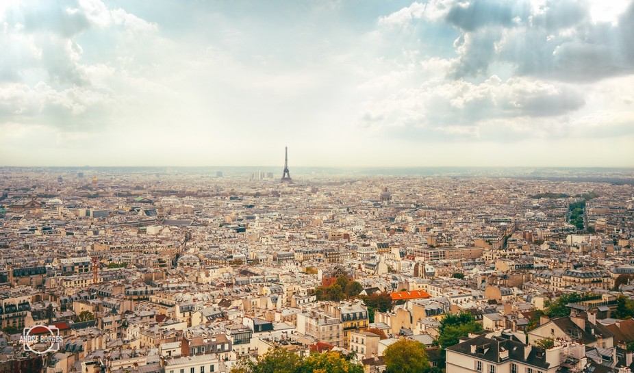 Autumn in Paris. Cool picture to see how huge the Tour Eiffel really is.