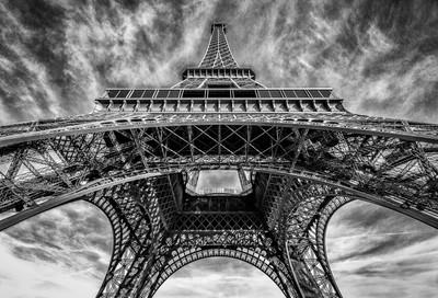Eiffel Tower in B-W