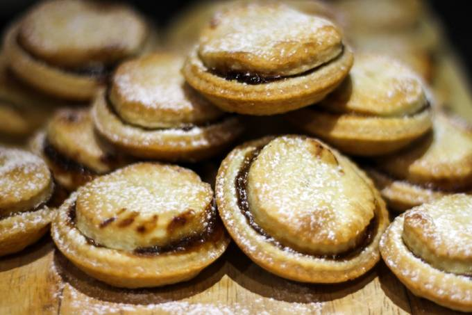 Christmas Mince Pies 2 by lisabonham - Looks Delicious Photo Contest