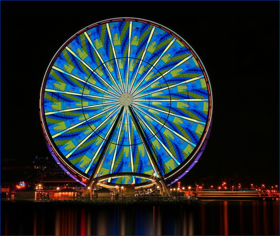 Seattle Great Wheel in Sounders team colors