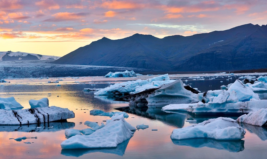 The start of sunset at the Ice Lagoon in Iceland, in early September.