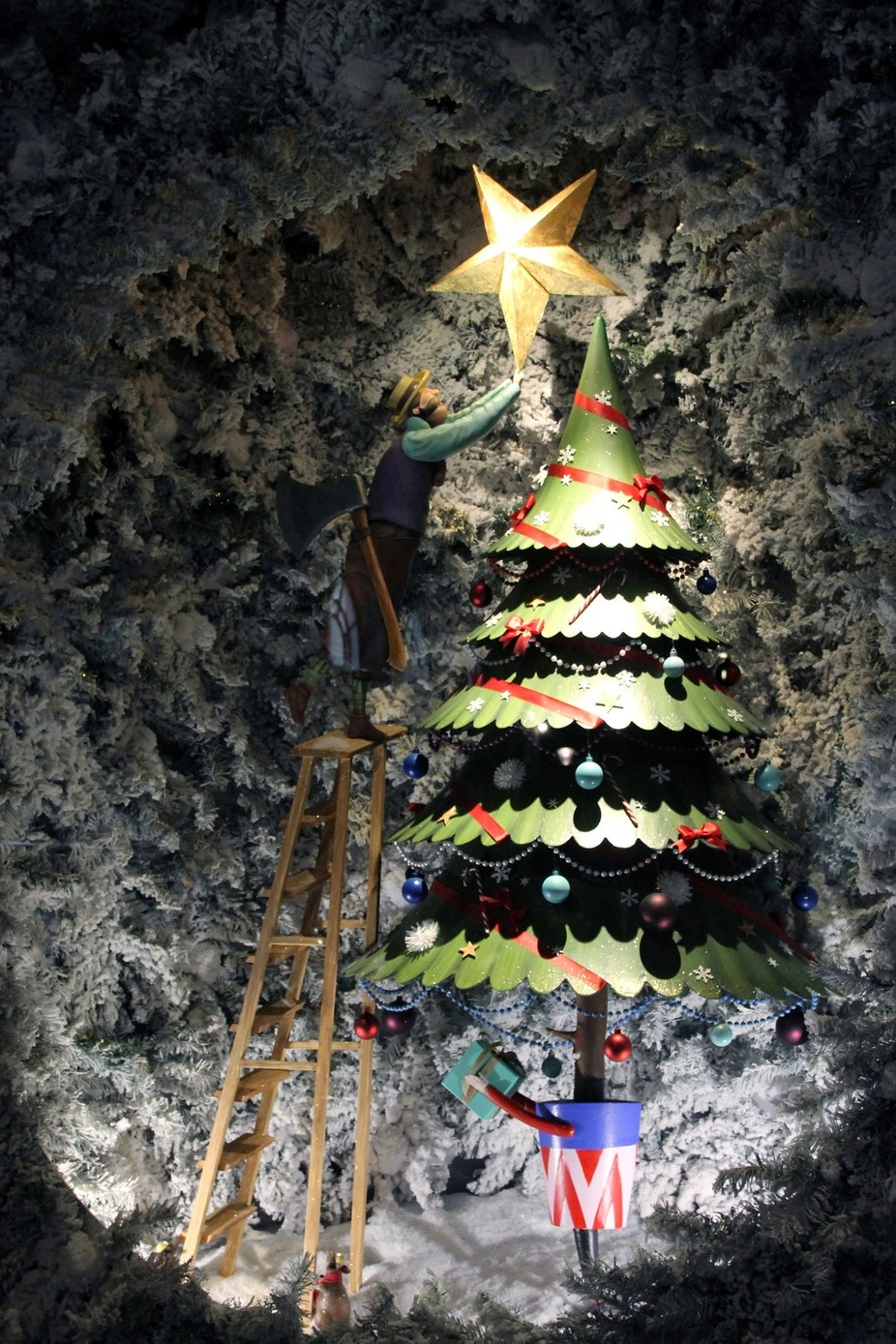 Christmastree decoration by dpalacios - Holiday Lights Photo Contest 2017