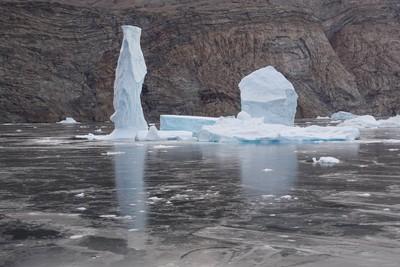 Chimney shaped iceberg
