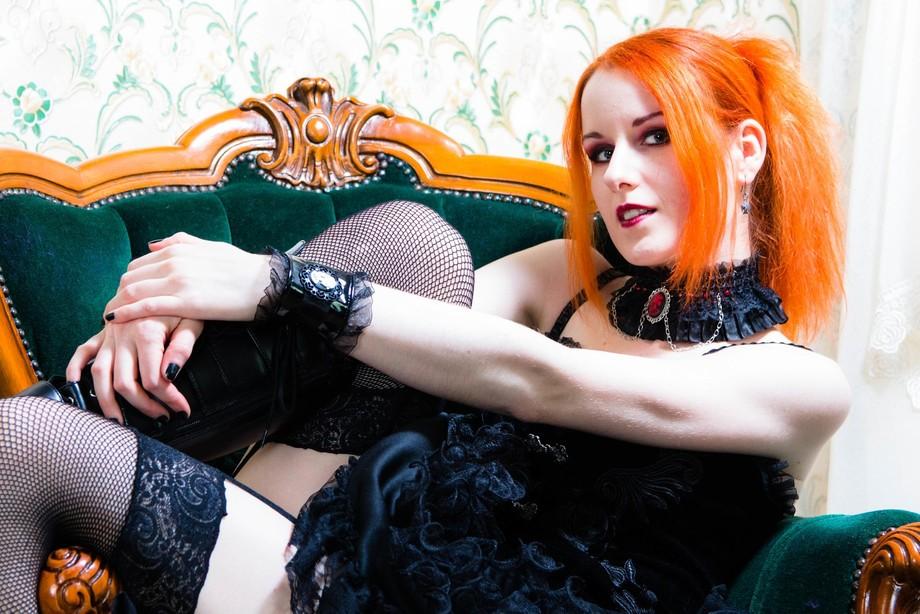 Model: Chloe Noir https://facebook.com/chloenoirphotography