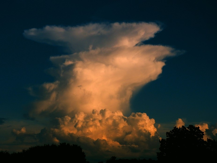 I was able to capture this thunderhead forming in the distance.