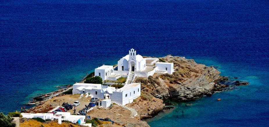 The eternal Greek blue