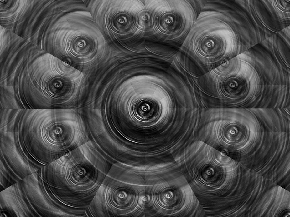 Il s'agit d'un abstrait où l' on voit des yeux.