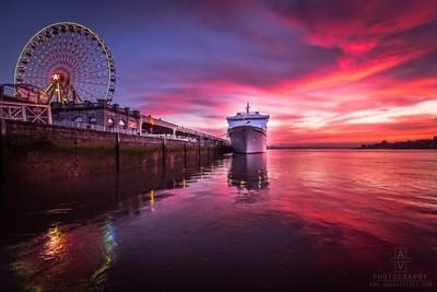 Last day for MS Magellan in Antwerp city. by Theo-Herbots-Fotograaf