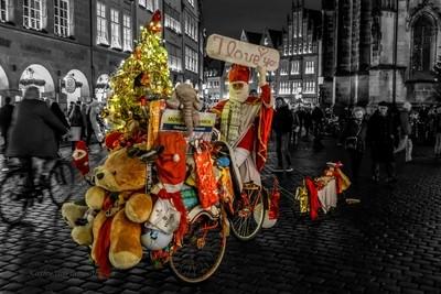 In Munster, even Santa rides a bike!