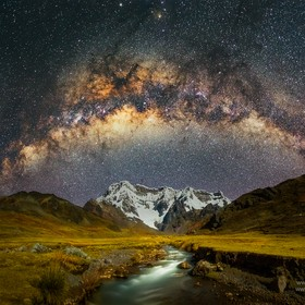 One of the most beautiful mountains of Peru... The Ausangate and the milky way, the perfect combination... I'll never forget that amazing an...