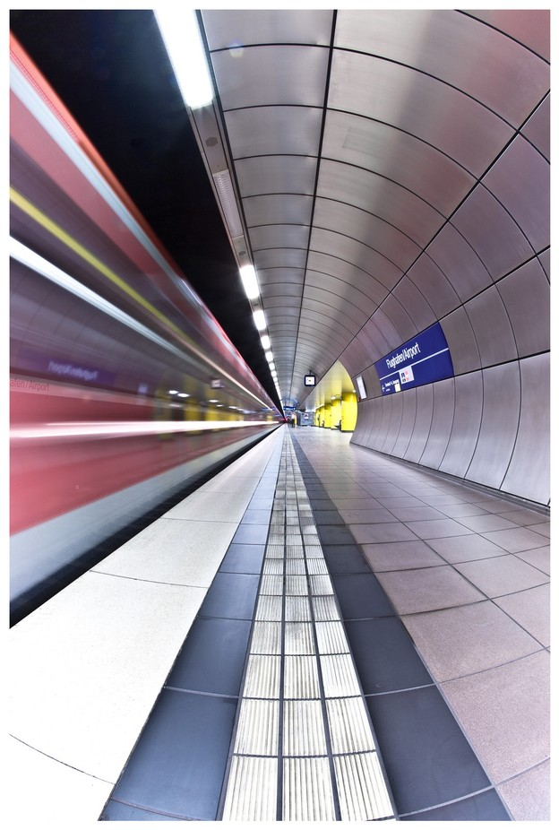 station wide view by thatblacklabby - Metro Stations Photo Contest