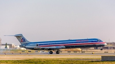 American Airlines McDonnell Douglas MD-83(N9404V).