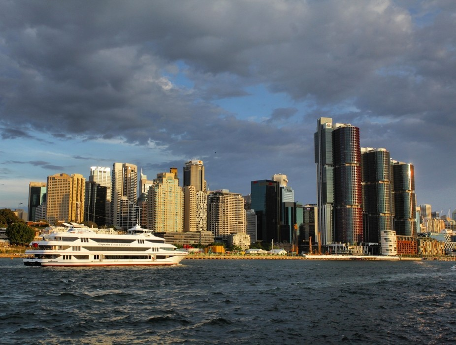 This is the Sydney 2000 operated by Captain Cook Cruises cruising towards Darling Harbour in Sydn...