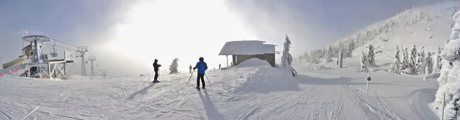 skihill pano