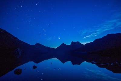 Cradle Mountain and Dove Lake at night