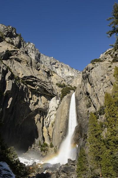 Lower_Yosemite_Falls_1