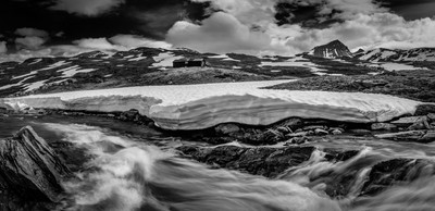 Spring waters bw