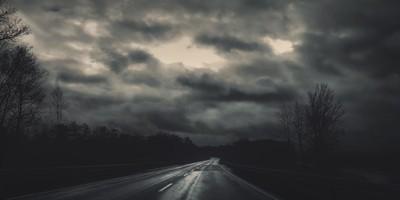 Dark road - Smartphone photography