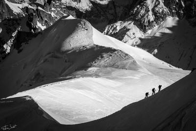 Edge and alpinists