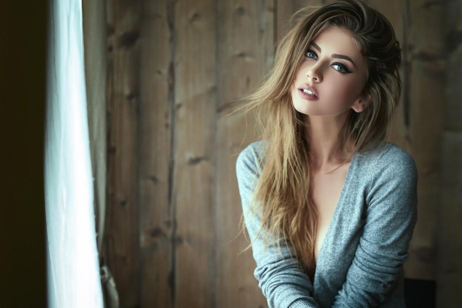 Photo: Daniel Ilinca / Model: Claudia
