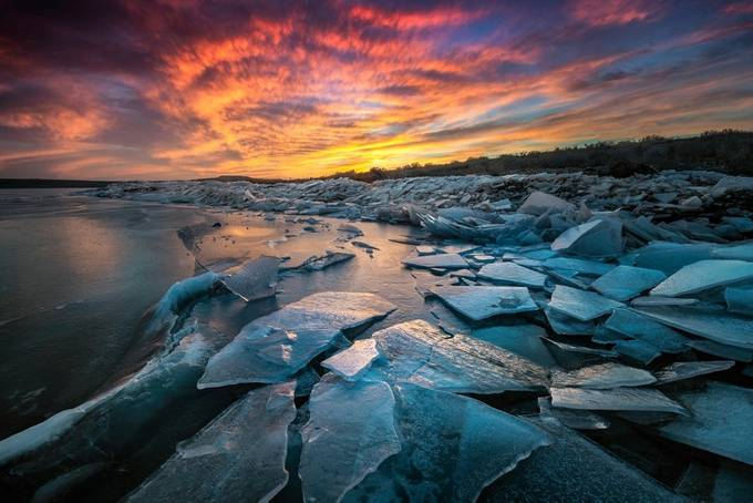 Ice Floe by dakoch