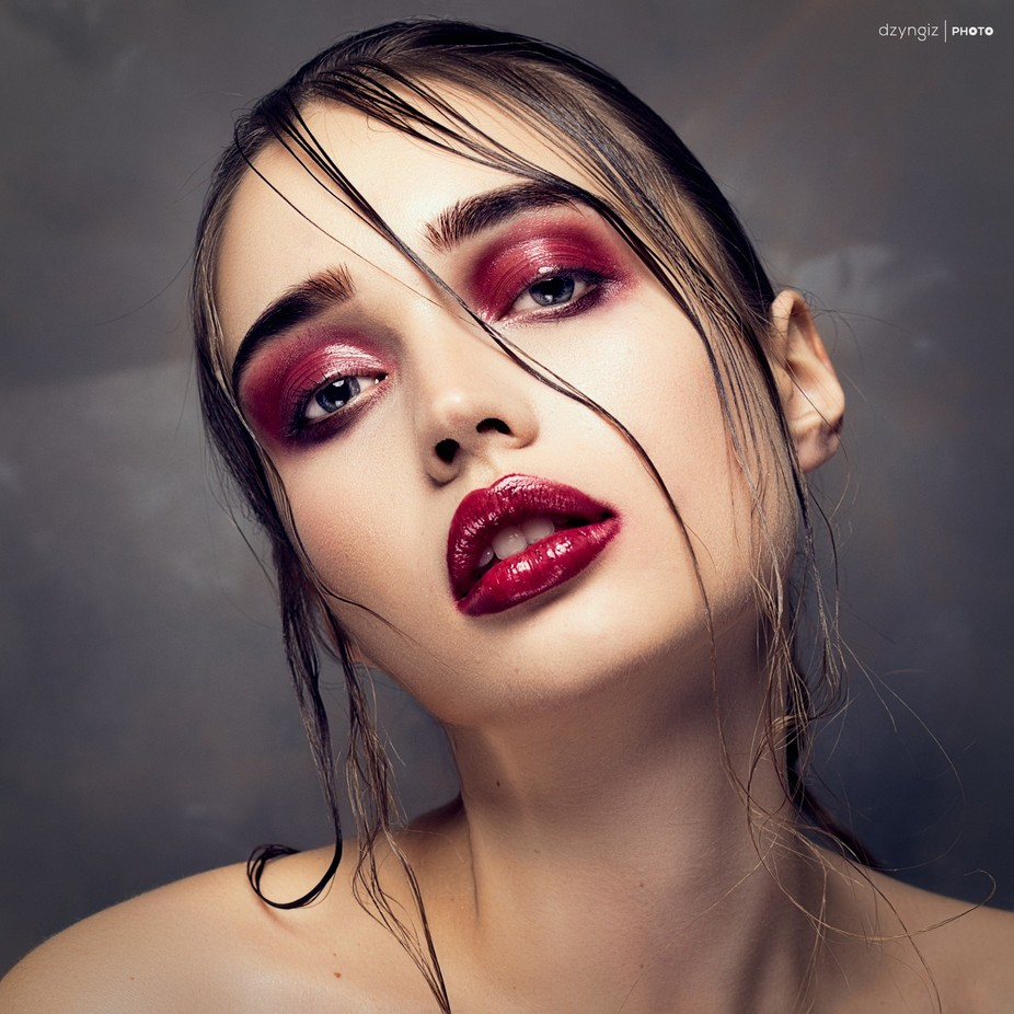 Red 2 by AmoArt - Showcase Lips Photo Contest