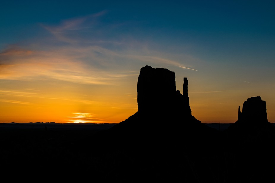 Ah, the Monument Valley. The gorgeous statues carved by Nature out of earth, using nothing but wi...