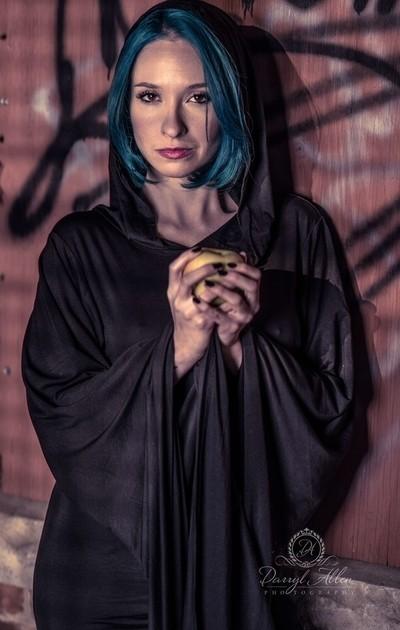 Outdoor Gothic Photo Shoot | Model | Chloe
