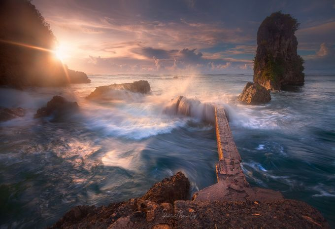 Crashing Light by patrickmarsonong - Compositions 101 Photo Contest vol4