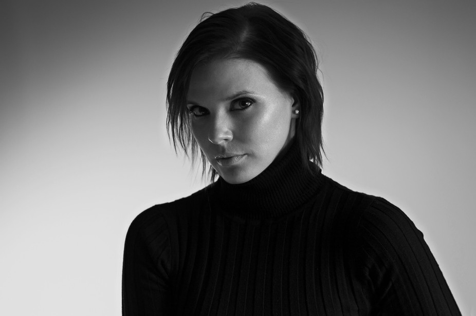 Black & White Portrait of a model who has been told she looks a lot like Victoria Becham ...