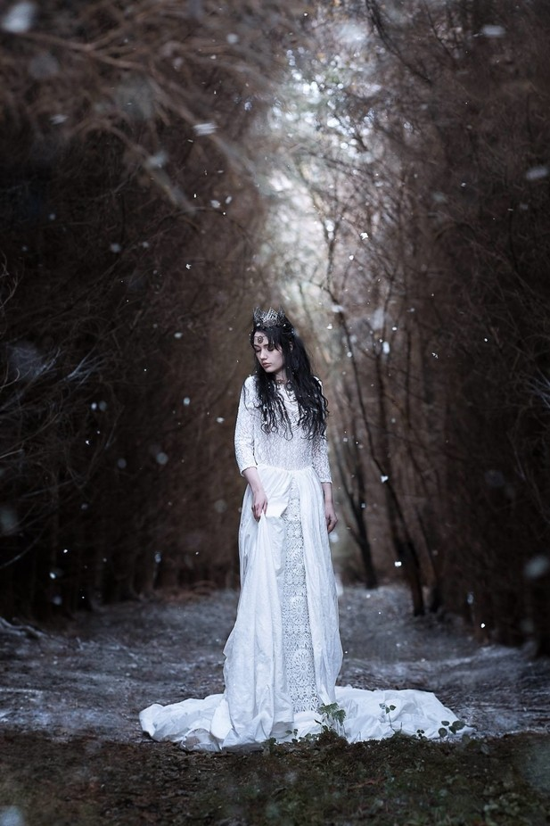 -cold queen by leoniefietz - Rule Of Seconds Photo Contest vol1