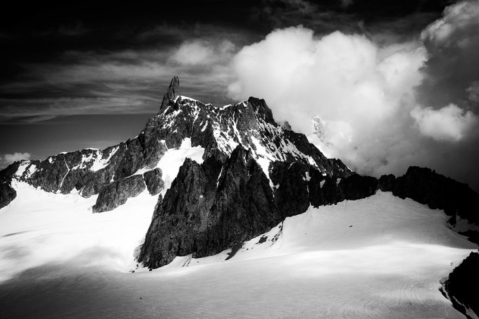 snowcap by DonnadaYetta - Black And White Mountain Peaks Photo Contest