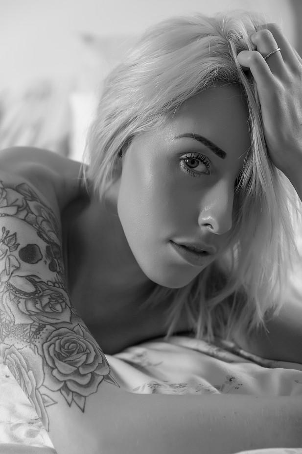 Hannah B&W by john70d - Black And White Female Portraits Photo Contest