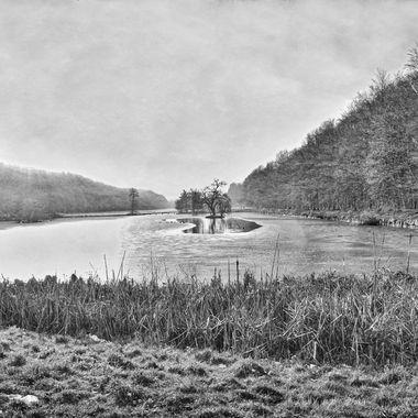 Tervuren lakes B&W during winter time
