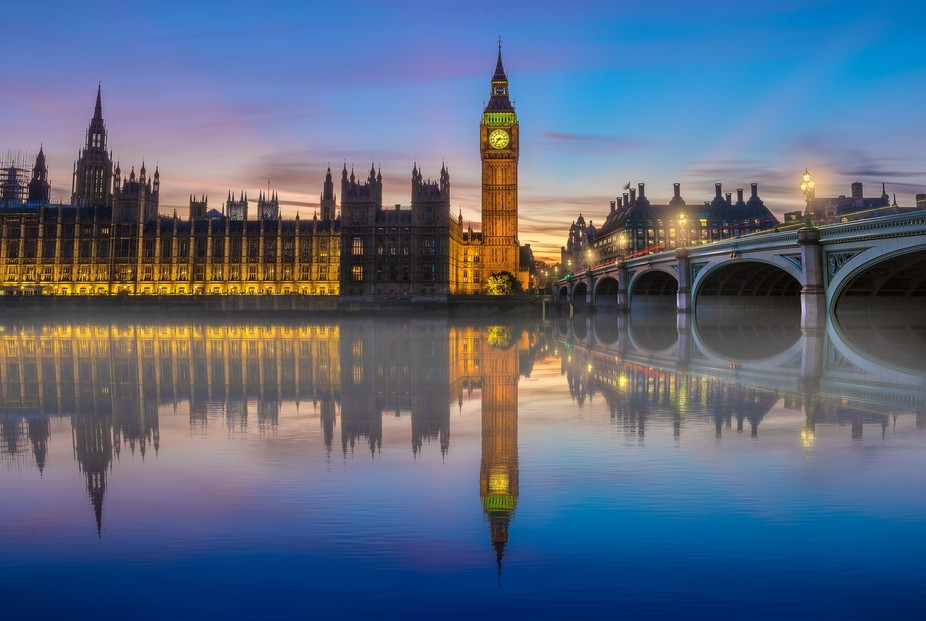An image of London's big Ben at blue hour