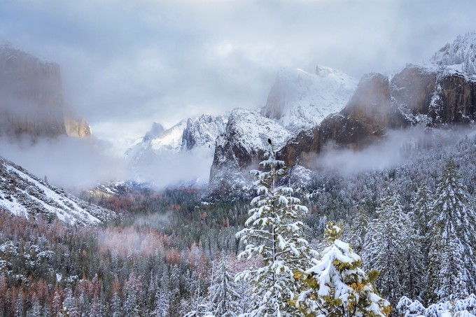 Tunnel View, Yosemite National Park  by Kingdomsfall - Image Of The Month Photo Contest Vol 18