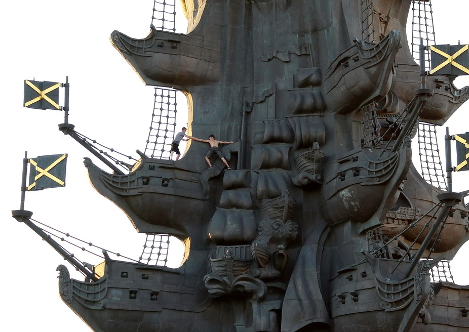 "It's giant 98-metre high Peter the Great Statue (a kind of ""double ugly&quo..."