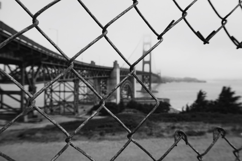 Iconic Golden Gate Bridge captured in black and white.