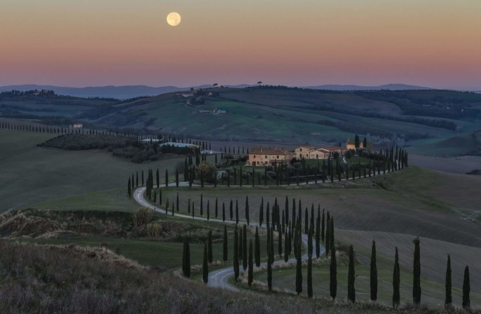 Moonset  by federicosassolinosasson - The Moonlight Photo Contest