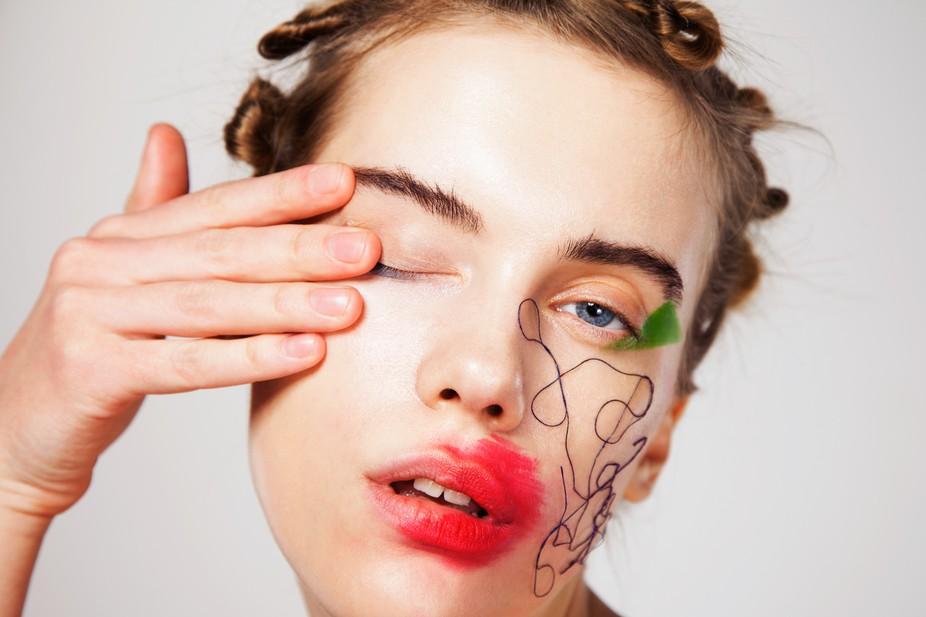 model Svetlana Shupenko muah Lika Glazkova art-direction Anna Panaiotidi studio Limeroom Moscow