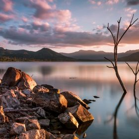 Itching to play around with some new filters i brought the other day, i thought i would call into Lake Moogerah on my way home today and give th...