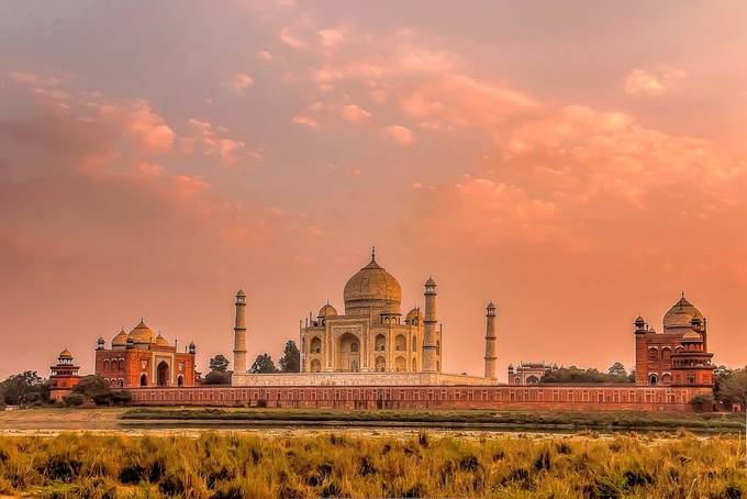 Taj Mahal Sunset by leonhugo - Iconic Places and Things Photo Contest