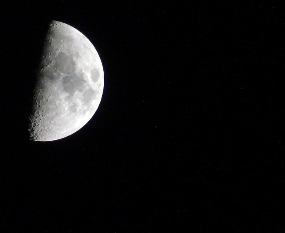Glorious moon tonight.