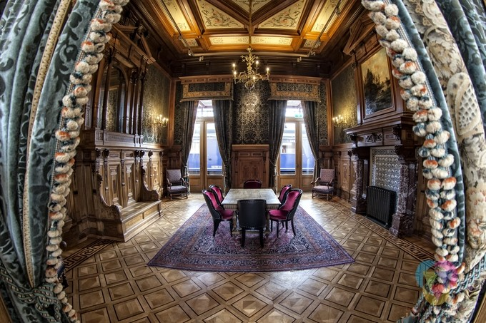 Royal Lounche by fredwormsbecher - My Best Shot Photo Contest Vol 3