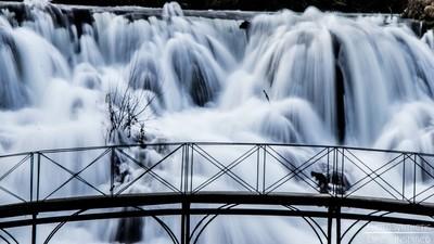 PhotoSynthetic- blanket falls