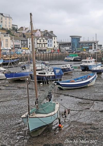 Dry harbour