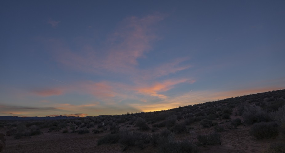 The subtle colors of post sunset