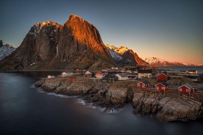 Hamnoy sunset by RalfvonSamson - Photogenic Villages Photo Contest