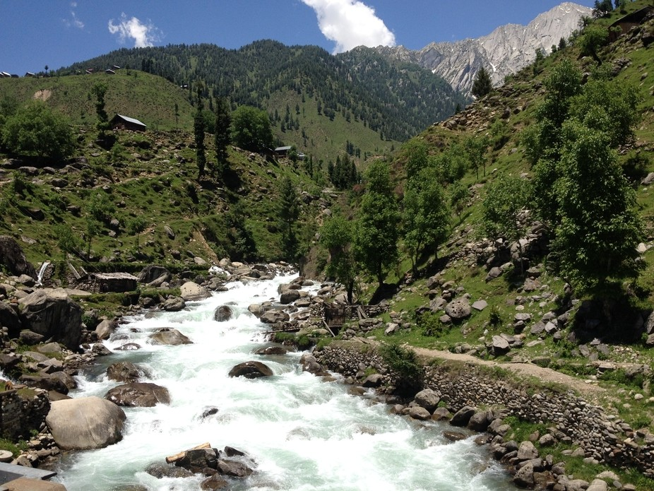 This is one of the most places in Pakistan. This is near Hunza Valley, Azad Jammu Kashmir Pakista...